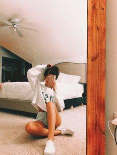 VSCO - alyssbaker selfie poses how to take Cute Instagram Pictures, Cute Poses For Pictures, Instagram Pose, Cute Photos, Girl Photos, Beautiful Pictures, Poses Photo, Picture Poses, Cute Lazy Outfits