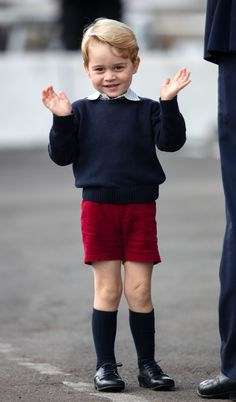 Just smile and wave - adorable prince George