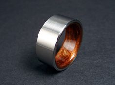 Bent Wood and Titanium Wedding Ring Rosewood by hersteller