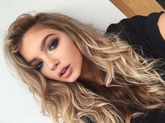 Image about girl in Sophia Mitch by queen_wolf Beauty Makeup, Hair Makeup, Hair Beauty, Makeup Style, Sophia Mitchell, Pretty Hairstyles, Hair Inspo, Makeup Inspiration, Hair Goals
