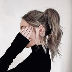 Hairstyles and Beauty: The Internet`s best hairstyles, fashion and makeup pics are here. Short Grunge Hair, Hair Streaks, Hair Color Purple, Brown Blonde Hair, Aesthetic Hair, Dream Hair, Balayage Hair, Pretty Hairstyles, Hair Looks