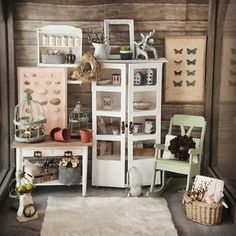 tiny things for miniature enthusiasts, every day. Miniature Rooms, Miniature Furniture, Dollhouse Furniture, Diy Dollhouse, Dollhouse Miniatures, Contemporary Cottage, Dollhouse Accessories, Barbie Furniture, Miniture Things