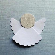 Esta dica é especial para quem procura uma maneira fácil, simples e barata para fazer anjinhos de papel. Pode ser até uma atividade bacana para fazer com crianças já maiores de 8 anos, já que envolve corte. Acompanhe o passo a passo!