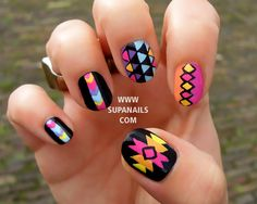 Funky Aztec - 12 Nails with a colorful geometric pattern. €34,00, via Etsy.