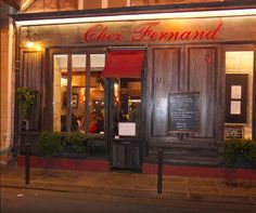 The restaurant « Chez Fernand » is located 30m on foot from the hotel. At the ground floor of a beautiful building dating from 18th century, the three arched rooms with exposed beams and walls of red briquettes from « Chez Fernand » are a true haven of peace and of pleasure for those who like the French traditional cooking. The restaurant is ranked 1016th on 13676 restaurants in Paris. We recommend you this restaurant for your business lunch, for big occasions and if you love local food !
