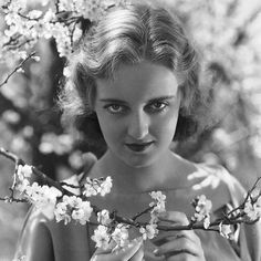 Bette Davis: A sure way to lose happiness I found is to want it at the expense of everything else. #BetteDavis #HumanNote