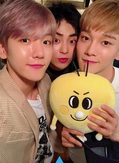 Find images and videos about exo, baekhyun and chanyeol on We Heart It - the app to get lost in what you love. Exo Chen, Exo Xiumin, Exo Ot12, Exo K, Chanbaek, Baekhyun Selca, Kpop, Photo Deco, Korean