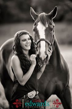 Senior picture, pose with horse http://www.jessicaedwardsphotography.net