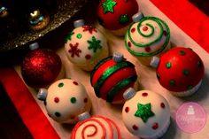 Ornament Cupcakes Tutorial - McGreevy Cakes