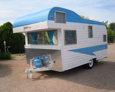 Without exception, renovating a caravan is likely to involve a crucial look at the simple supply systems. Trailers also referred to as caravans are ut. Retro Caravan, Vintage Campers Trailers, Retro Campers, Vintage Caravans, Camper Trailers, Tiny Trailers, Land Rover Defender, General Motors, Motorhome