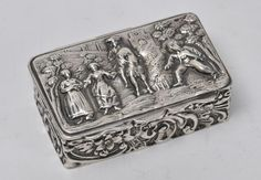 Dutch Silver Snuff Box, Beautiful Relief depicting a scene in the nature with two gentlemen (one is riding a horse) and two women, Turn of the 19th century.