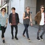 THE VAMPS RECENT HILARIOUS UPDATE INTERVIEW  (VIDEO)