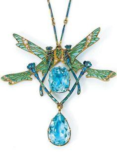 René Lalique 'QUATRE LIBELLULES' pendant necklace in gold, aquamarine, diamond and enamel - 1909.