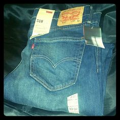 NWT URBAN OUTFITTERS Levi's 510 Skinny Fit W33L32 Awesome pair of Urban Outfitters Levi's, still with tags on! Urban Outfitters Jeans Skinny
