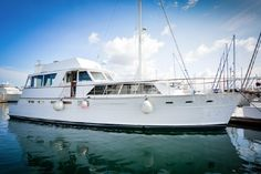 Boat for sale - Pacemaker Cockpit Motor Yacht Spaceous Livaboard - 60'
