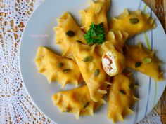 Dyniowe Pierogi. Pierogi, 20 Min, Feta, Macaroni And Cheese, Pineapple, Fruit, Cooking, Healthy, Ethnic Recipes