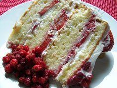Shortcake aux fraises - Recettes du Québec Canadian Cuisine, Cake Recipes, Dessert Recipes, Glaze For Cake, Pastry Board, Bread Cake, French Pastries, Summer Desserts, Desserts Fruits