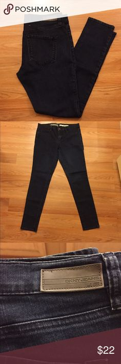 Sexy jeans Cute jeans in good condition. Very sexy fit DKNY Jeans Skinny