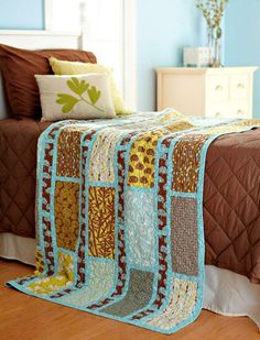 ~ Simple Sashing and Rectangles Quilt/Bed runner…using feature fabric! 10 FQs :(