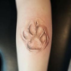 47 Tiny Paw Print Tattoos For Cat And Dog Lovers - lynx pawprint tattoo - Neue Tattoos, Dog Tattoos, Body Art Tattoos, Tatoos, Paw Print Tattoos, Dog Pawprint Tattoo, Heart Tattoos, Tattoos For Pets, Wolf Print Tattoo