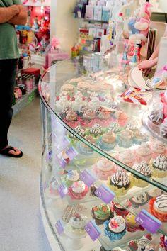 ¡Como joyas! Wonderland Bakery.