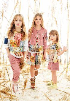 @twinsetofficial girl spring summer 2016 #twinsetgirl #flowers #SS16 #spring #summer #springsummer2016 #childrens #kids #childrenswear #kidswear #kidsfashion #girls