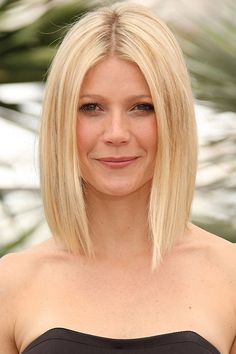 CANNES, FRANCE - MAY Actress Gwyneth Paltrow attends the 'Two Lovers' photocall at the Palais des Festivals during the Cannes International Film Festival on May 2008 in Cannes, France. (Photo by George PImentel/WireImage) Gwyneth Paltrow, Gweneth Paltrow Hair, Bob Hairstyles, Straight Hairstyles, Medium Hair Styles, Curly Hair Styles, Hot Hair Colors, Palais Des Festivals, Long Curly Hair