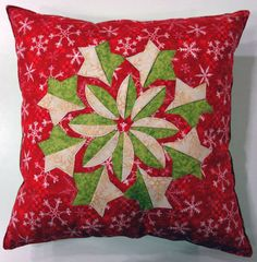 Christmas Pillow, Christmas Snowman, Christmas Ideas, Polymer Clay Bracelet, Winter Quilts, Sewing Pillows, Quilt Patterns, Sewing Patterns, Pillow Shams