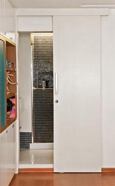 Sliding door: benefits of using and projects with photos Bathroom Towel Storage, Bathroom Doors, Small Bathroom, Wooden Sliding Doors, Internal Sliding Doors, Bad Inspiration, Bathroom Inspiration, Tall Cabinet Storage, Locker Storage