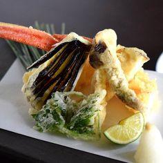 松茸とズワイ蟹の天婦羅  from Aug.19th-  #kaiseki #cuisine #kitaohji #eel #matsutake #snowcrab #tempura #japanesefood #instafood #foodpic #foodporn #japanesecuisine #yum #yummy #thonglor #bangkok #sukhumvit #อาหารญ by kitaohji_thailand