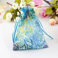 2016 new small coralline drawable organza jewelry pouch wedding party favor gift bag hot Christmas Wedding Favors, Candy Wedding Favors, Wedding Gift Bags, Christmas Bags, Candy Jewelry, Ruby Jewelry, Fabric Jewelry, Jewelry Party, Charms Candy