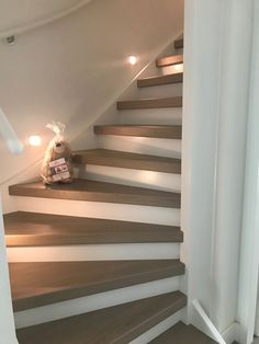 ♥ best modern staircase ideas with various pattern in 2020 19 Staircase Remodel, Stair Lighting, Modern Stairs, House Stairs, Stairs To Attic, Staircase Design, Staircase Ideas, Home Deco, Home Interior Design