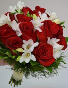 A Baseball Wedding: Bridal and Bridesmaid Bouquets!