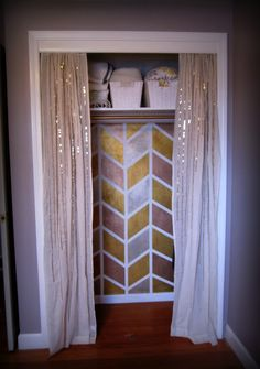 Love This Closet. Cool Metallic Herringbone Paint Job Paired With Sequined  Curtains, Adorable Thinking Mu0027y Room Closet!