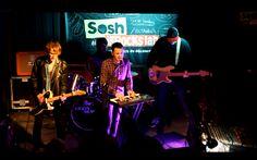 Future Dust à l'open-mic de Nantes pour les auditions du concours Sosh aime les inRocKs lab #soshinrockslab // crédit photo : Konbini