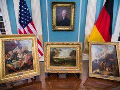 """70 Jahre nach Ende des Zweiten Weltkrieges hat die US-Stiftung """"Monuments Men"""" fünf aus Deutschland gestohlene Gemälde zurückgegeben.  5 paintings  found"""