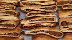 Nursel'in Evi Etli Ekmek Tarifi 26.12.2016 Bacon, Pizza, Breakfast, Ethnic Recipes, Food, Essen, Morning Coffee, Meals, Yemek