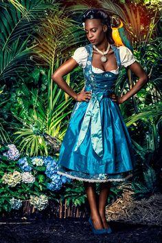Designer Dirndl Lily-Blue, blau-türkis, El Picaflor | Dirndltopia