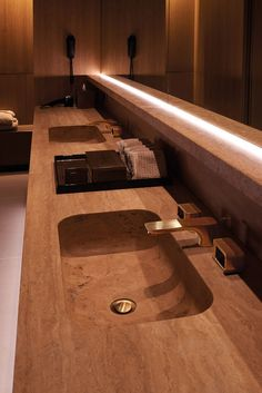 Patricia Urquiola becomes ... Gold Spa water for the FOUR SEASONS ...