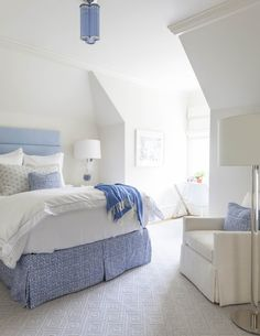 creamy white bedroom with periwinkle blue accents, periwinkle blue, lavender blue, sherwin williams dahlia, pantone little boy blue Coastal Bedrooms, Guest Bedrooms, Guest Room, Master Bedrooms, Coastal Living, Romantic Bedroom Lighting, Small Cottage Homes, Tiny Homes, Sweet Home