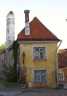 Tallinn, Estonia | by © raymond crowley | via evysinspirations http://allthroughthelookingglass.tumblr.com/page/12