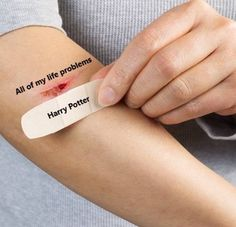 21 Harry Potter memes that are never not funny - Marvel - Game of Thrones Harry Potter Love, Harry Potter Fandom, Harry Potter World, Harry Potter Memes, Chuck Norris, Disney Junior, Voldemort, Everything Going Wrong, Hogwarts