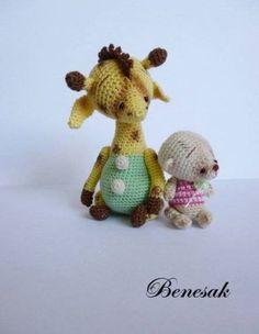 Thread-artist-crochet-miniature-Bear-Giraffe-and-Bear-by-Benesak