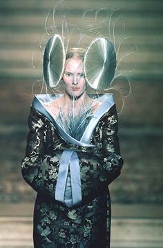 labsinthe:  Givenchy by Alexander McQueen Haute Couture Spring 1997