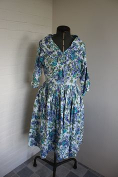 Vintage 1950s china patterned floral blue, green and white printed cotton dress