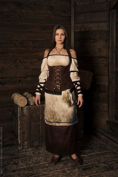 I don't know why nobody cosplayed Skyrim's civilians (or maybe i just haven't seen it). They all have interesting clothing. And when I saw that dress, I immediately decided to make it The Elder Scr...