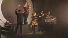 Roundtable Rival - Live From London - Lindsey Stirling   Lindsey is simply amazing!
