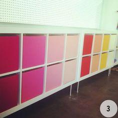 Ikea Expedit : des bacs en camaïeu de couleur, et voici une expedit en mode pop!