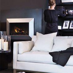 Instagram media by slettvoll_no - Black & white. Både tidløst, moderne og klassisk. Dublin sofa fra Slettvoll. #slettvoll