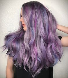 24 Stunning Purple Highlights Ideas To Make Your Daily Look Unique - Hair Color Hair Color 2017, Hair Color Shades, Hair Color Purple, Hair Color For Black Hair, Cool Hair Color, Blue And Pink Hair, Shiny Hair, Purple Highlights, Hair Highlights